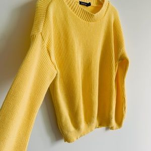Yellow long sleeves BooHoo knitted sweater.
